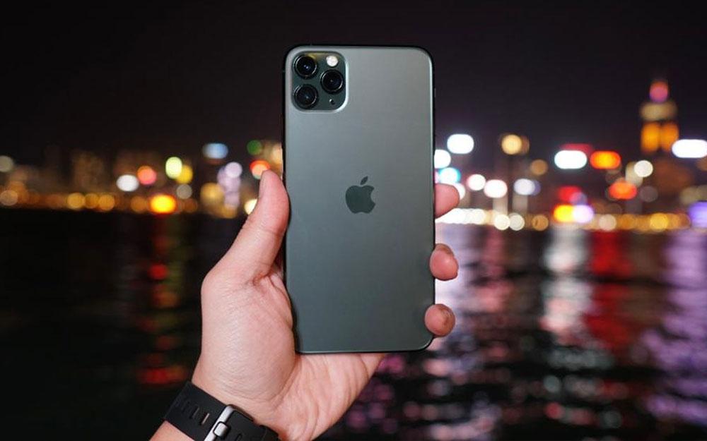 iphone-11-pro-max-co-man-hinh-hoi-ma-vang-nhung-khong-dang-ke