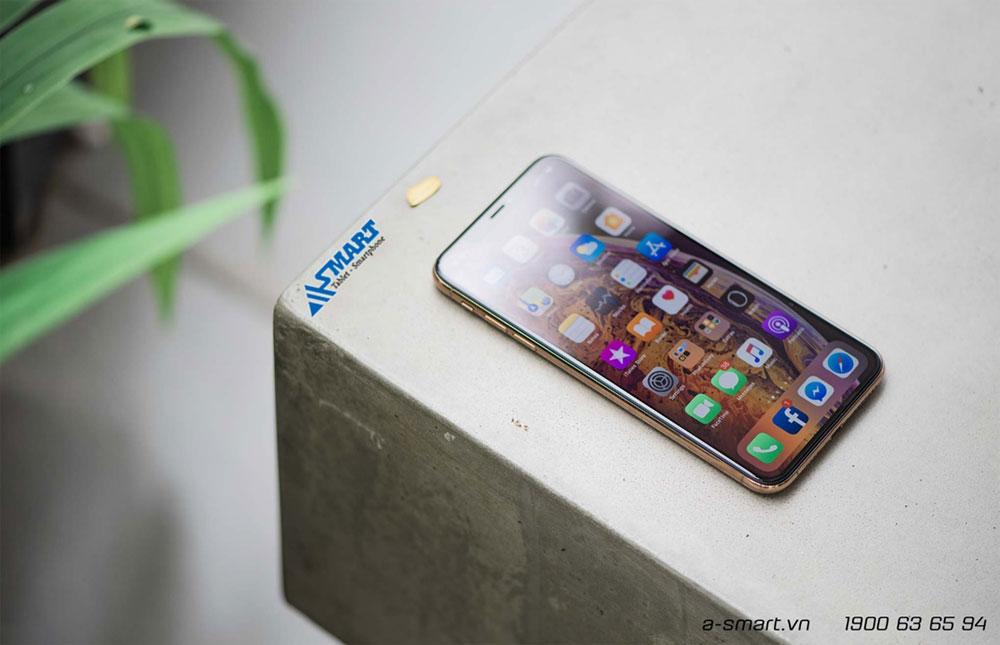 so-sanh-iphone-xs-max-voi-iphone-11