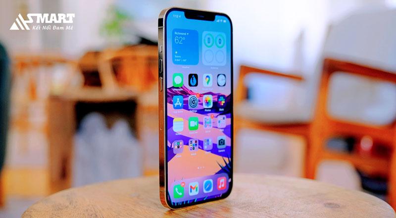 nhung-ky-luc-man-hinh-iphone-12-pro-max-da-lap-duoc