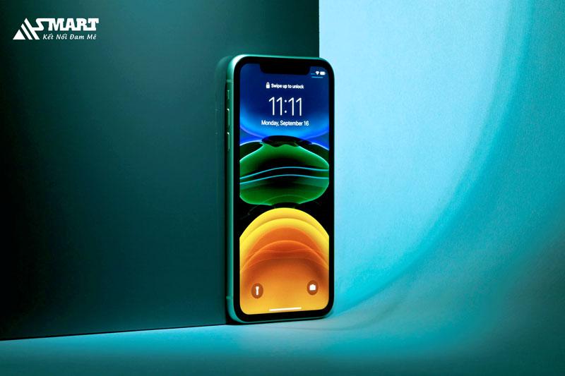co-nen-mua-iphone-11-nam-2021