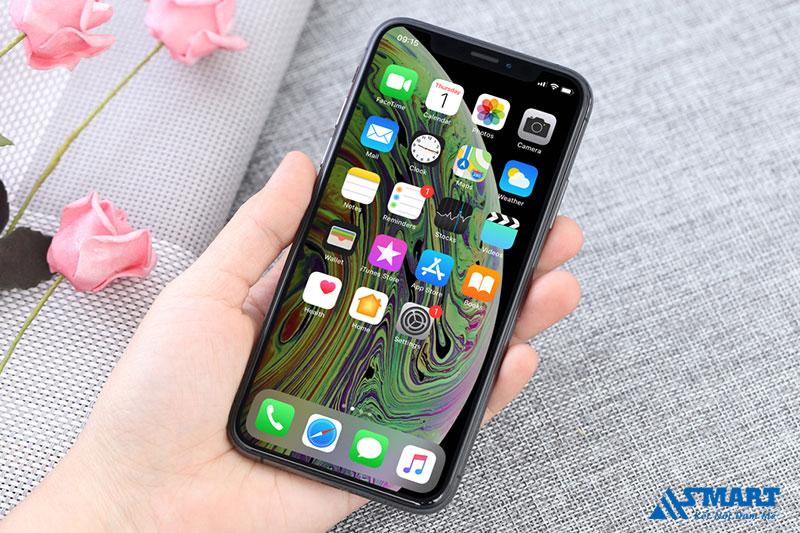 iphone-xs-van-dang-mua-vao-2021