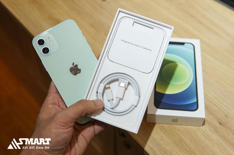 apple-bi-brazil-phat-19-trieu-do-la-khong-kem-sac-trong-hop-may-iphone-12