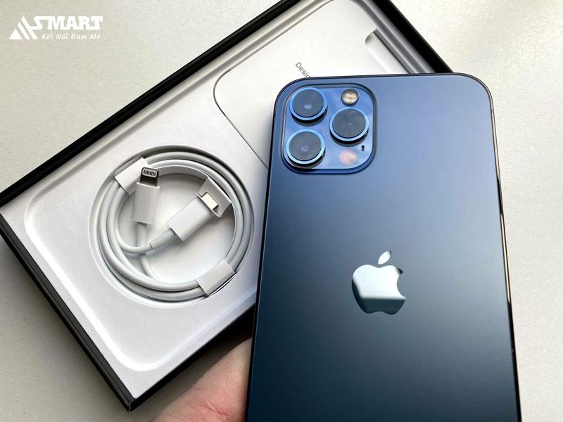 iphone-12-ra-mat-khong-co-cu-sac-va-tai-nghe-asmart-store