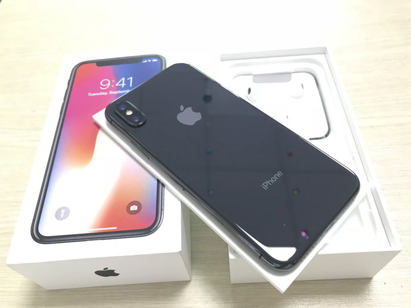cung-tam-gia-10-trieu-dong-nen-mua-iphone-cu-hay-android-moi-1-asmart